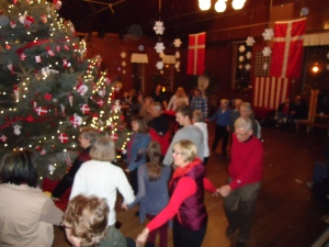 Dancing Around the Christmas Tree, Danebod Folk School